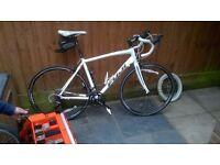 fuji sportif 2.3 road bike