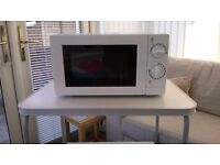 17 Liter 700w White Microwave Oven