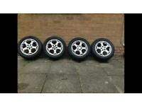 Set of 4 Ford alloy wheels