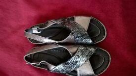 Ladies Leather Sandals Size 6