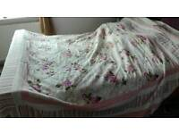 Double bed bedspread / coverlet + free pillowcases