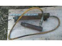 Hydraulic jack used in motor body repair