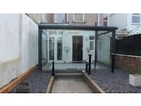 Beautiful, 1 bedroom ground floor flat, private, modern home in popular area. White goods.