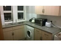 a spacious double bedroom to rent at west end dundee