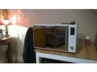 Convection Oven/Grill/Microwave Russel Hobbs