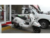 VESPA GTS 300 SUPER,LOADED with GOODIES