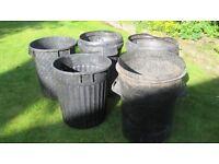 Black bins dustbins suit gardener
