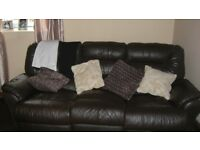 BROWN LEATHER 3 +2 SEATER RECLINER