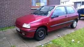 RARE AUTOMATIC MK 1 CLIO (BARN FIND) STARTS DRIVES GREAT BODYWORK SELL/SWAP