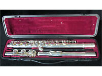 Yamaha YFL 211Sii Sliver Plated Flute in case - good silver keys good pads good case