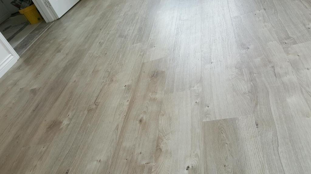 Amtico Spacia Luxury Vinyl Flooring Tiles Sun Bleached Oak