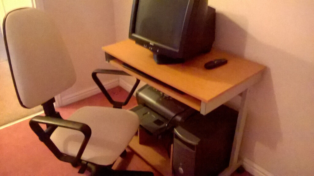 computer desk and chair in good condition