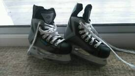 Ice skates kids x 2 sets small size 10 and 9