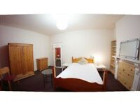 1 Double master Size Room in femaIe House Flat Share -- mintpie