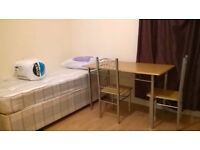 Nice and comfortable TRIPLE ROOM -> FEMALE preferred = only £150/ 4 weeks
