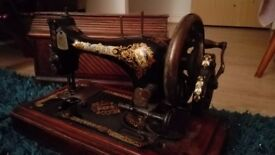 Beautiful 1899 Singer Sewing Machine - full working order, in original box!