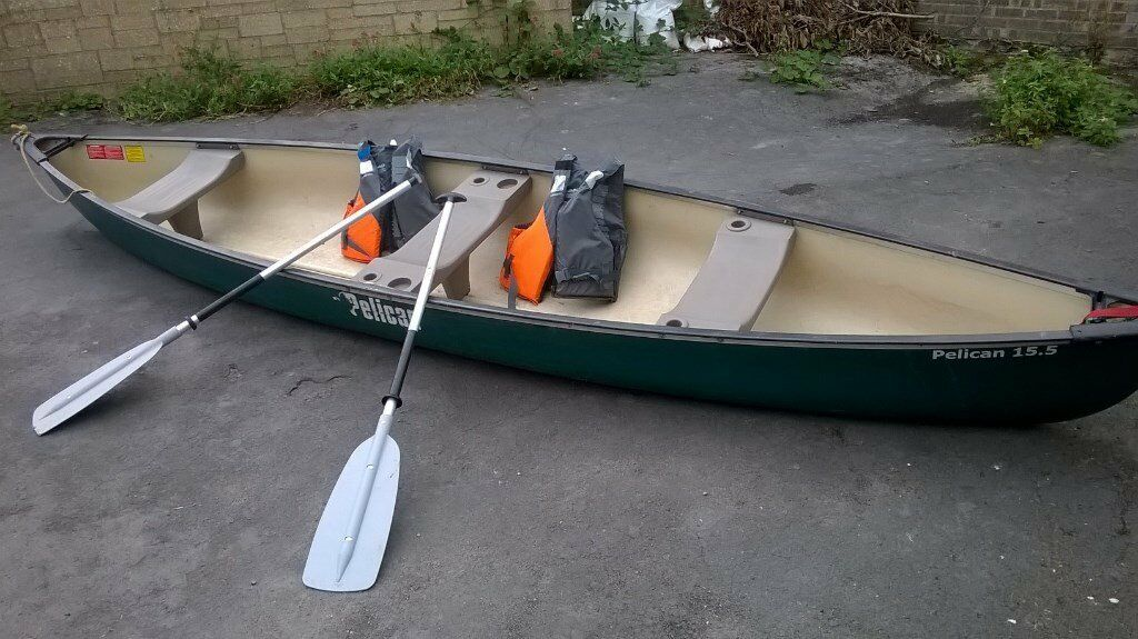 Pelican 15 5 Canoe With Paddles And Bouyancy Aids In