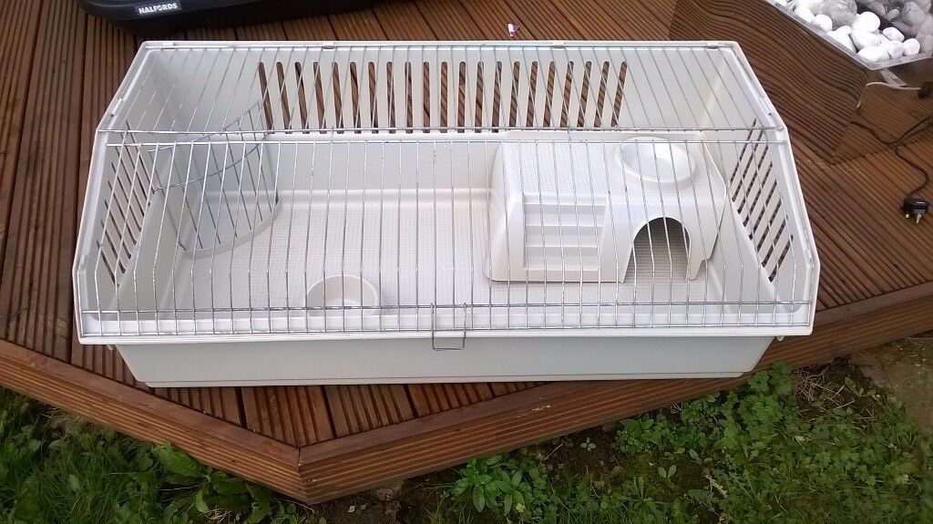LOVELY INDOOR RABBIT / GUINEA PIG CAGE WITH ACCESSORIES