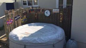 Paris lazy spa inflatable hot tub