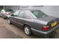 Mercedes 200e w124 retro full mot