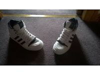 Nike Trainers for sale !! Unisex!! Like New