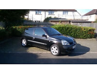 Renault Clio 2004 - very clean and tidy vehicle - 79,000mls
