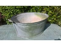 galvanised tin bath in good condition no leaks