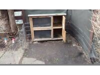 Double rabbit hutch and metal run £20