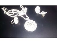 Silver filigree pattern pendant, ring and ear-rings set- excellent condition