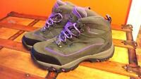 New condition hiking boots 9-9.5