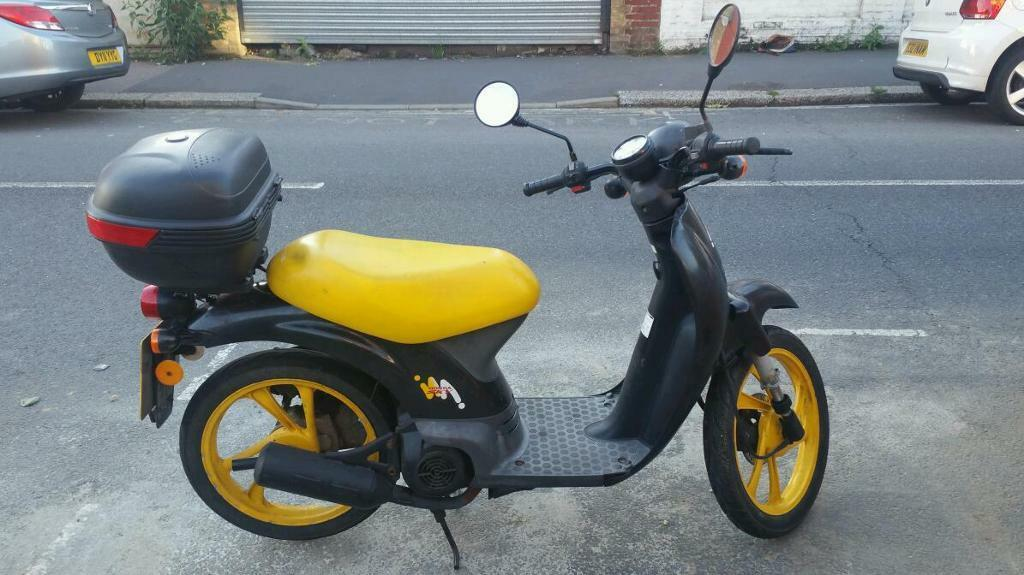 honda sky sgx 50 scooter in walthamstow london gumtree. Black Bedroom Furniture Sets. Home Design Ideas