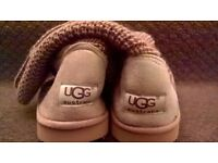 Great christmas gift beautiful brown UGG boots size 4 brand new with tags