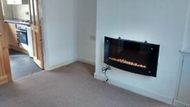 Very clean 2 bed terraced house to let