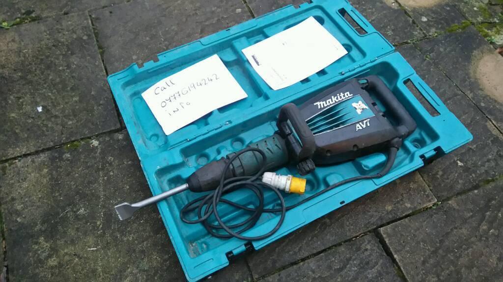 Makita Hm1214c Demolition Hammer Sds Max Breaker 110 V