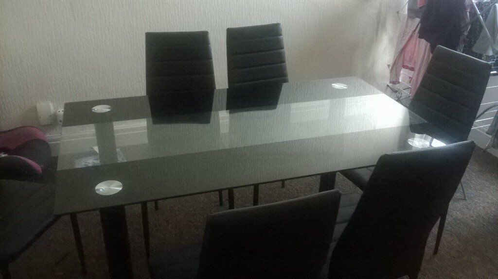 Very Nice Dining Table And 6 Chairs Blackpool