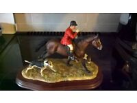 hunting scene figurine in good condition. buyer collects as some bits are fragile.