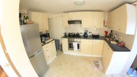 Lovely Four bedroom house to rent in Cave road E13.. MUST SEE!!