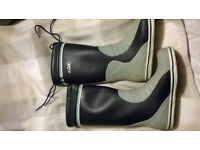 Gill yachting boots size 9 great condition