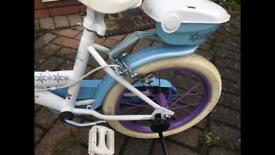 Girls Frozen Bike with stabilizers
