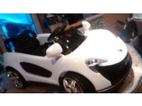 Electric ride on sports coupe (6 volt) in white