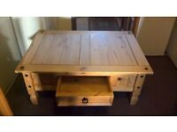 Mexican pine coffee table with a draw