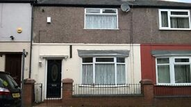 SPECIAL OFFER HALF PRICE RENT FIRST MONTH...3 BEDROOM TERRACE ON HEYES STREET L5