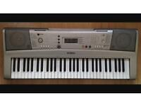 YAMAHA PSR E303 ELECTRIC KEYBOARD IN AMAZING CONDITION