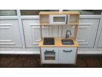 CHILDS WOODEN KITCHEN WITH SINK AND MIXER TAPS AND HOB