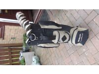 Full set of Spalding clubs with bag ,