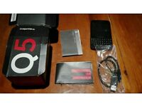 BlackBerry Q5 8gb - Boxed with all leads and paperwork