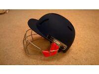 Adult Gunn and Moore cricket helmet (navy blue), adjustable fit