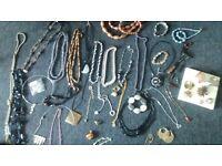 joblot of jewelery.approx 100 pieces