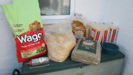 GUINEA PIG SUPPLIES - FOOD SAWDUST HAY + STRAW BOWL WATER BOTTLE