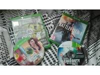 XBOX ONE good conditions!!!!!!!!!!! With games and pads